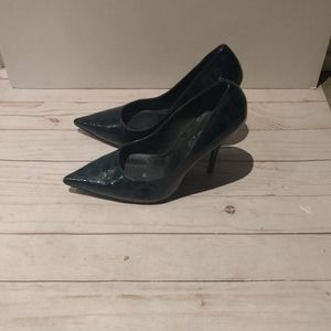 Beautiful dark blue heels by Aldo